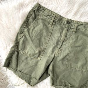 MOTHER army green the shaker crop raw hem shorts